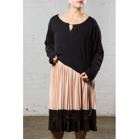 21d211a1548 Plus Size Lane Bryant Peach Pleated Skirt With Lace Detail Size 14 ...